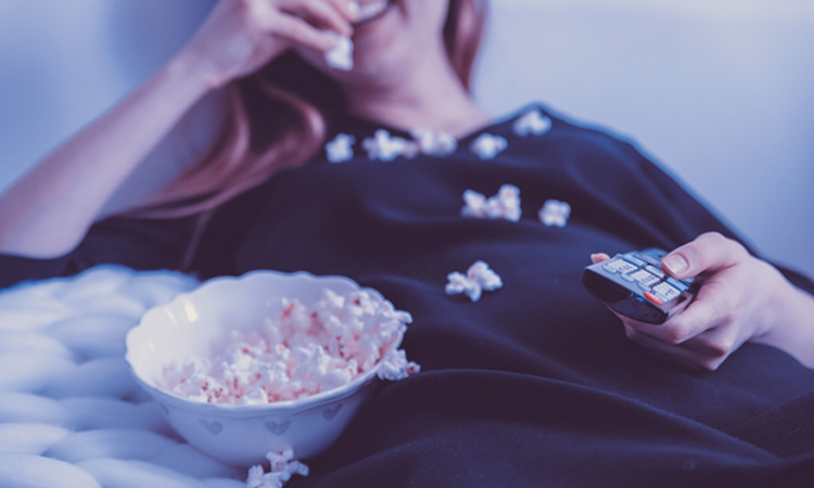 Why Your Night Eating Has Surged in the Pandemic